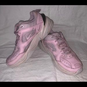 NIKE A03108 600 Women Sz 8 Pink White Shoes EUC